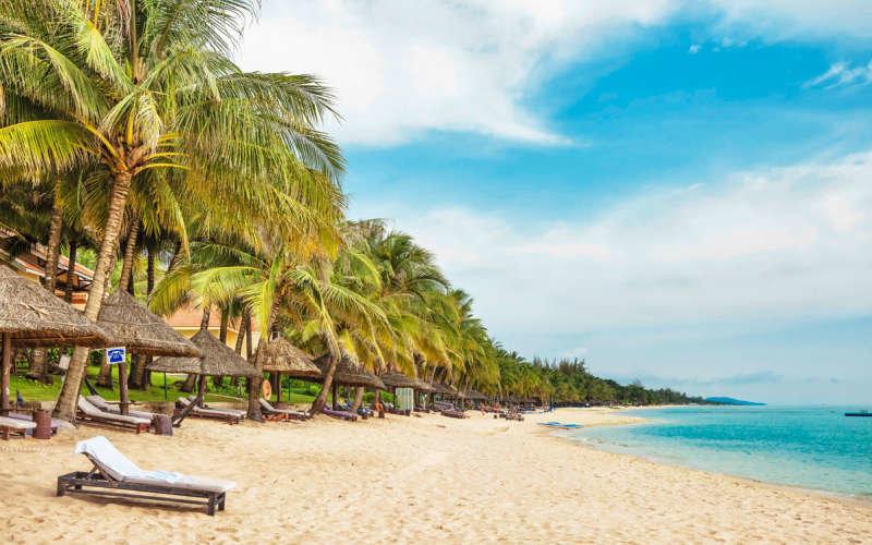 Пляж на острове Фукок