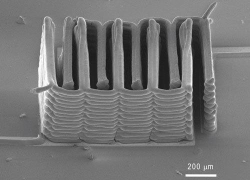 Ученые напечатали на 3D-принтере миниатюрный источник питания