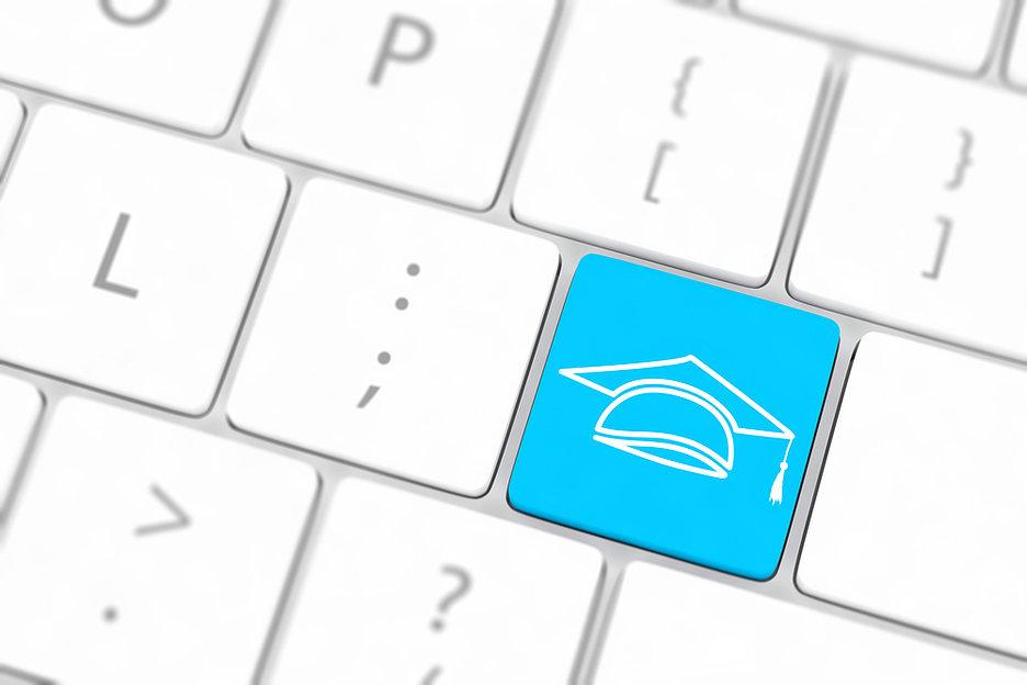 Как организовать удаленную учебу: знания через Интернет распространяются, а коронавирус — нет