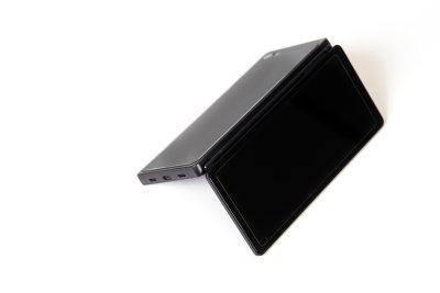 Apple готовит iPhone c двумя соединяющимися экранами
