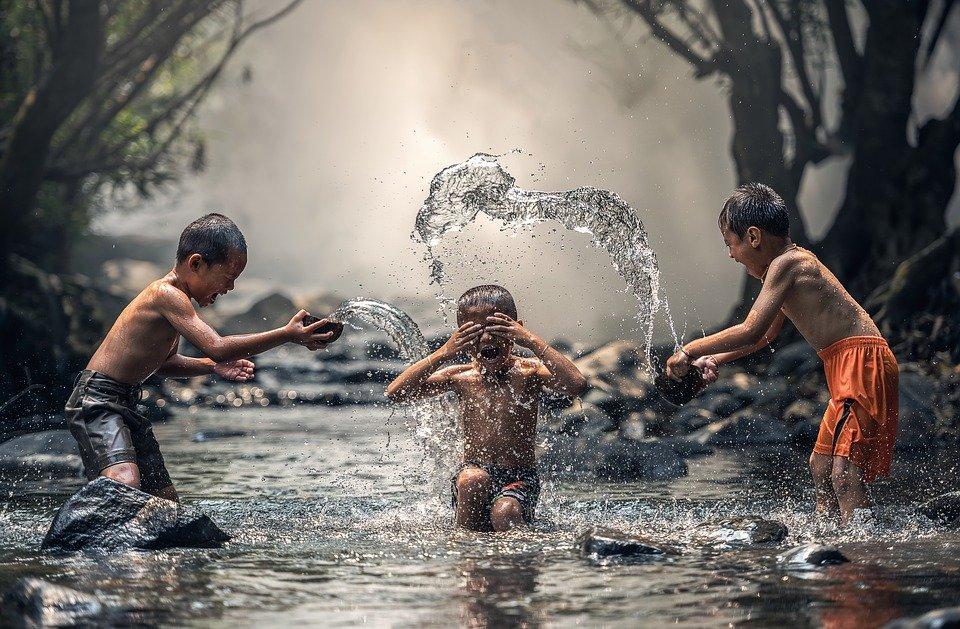 вода - основная жидкость на планете