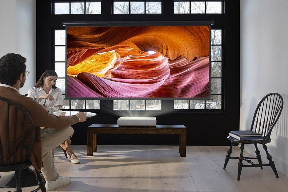 Samsung анонсировал лазерный 4K-проектор The Premiere c ультракоротким фокусом