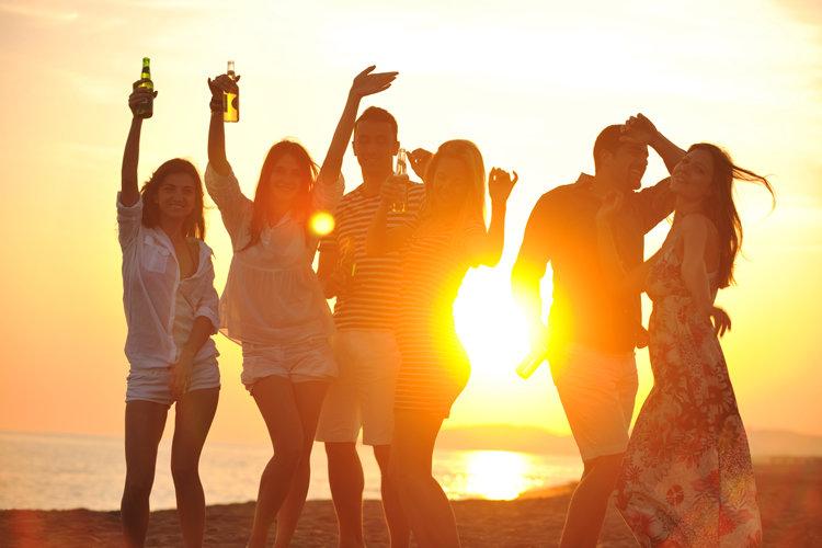 Танцы на берегу