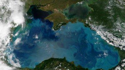 Куда впадает Черное море, его площадь, объем и самое глубокое место