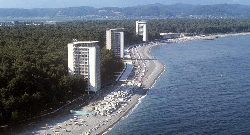Пляж Пицунды