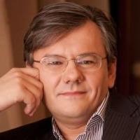 Олег Новиков