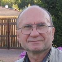 Роман Наумов